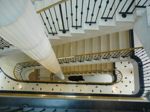 Balustrade with Brass Handrail - Hampstead