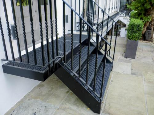 LCC Staircase - Holland Park