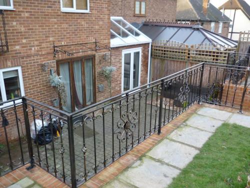 Railings & gate installation in Blackheath