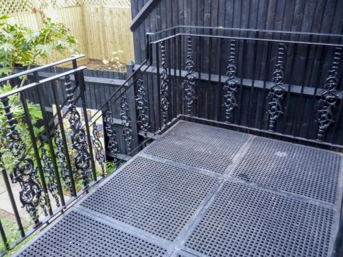 Cast Iron Balcony - Wimbledon