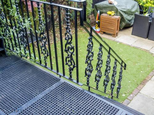 Cast Iron Balcony - Wimbledon